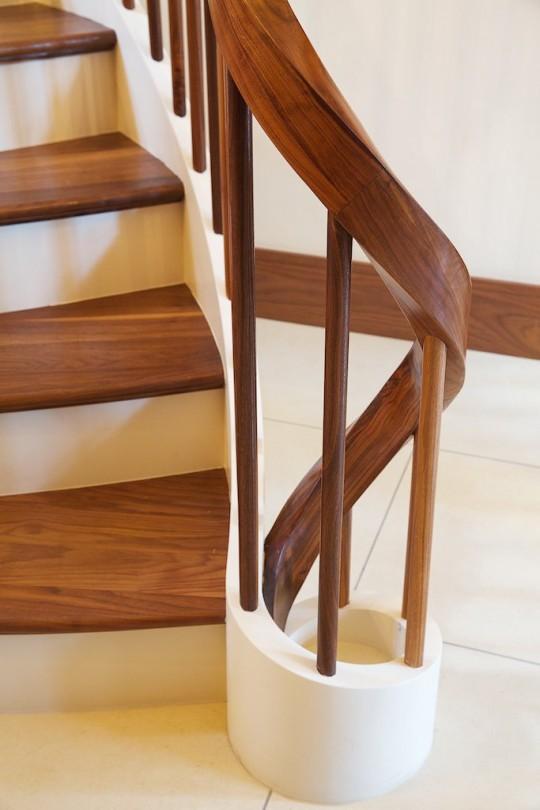 curved handrails london- Bavari